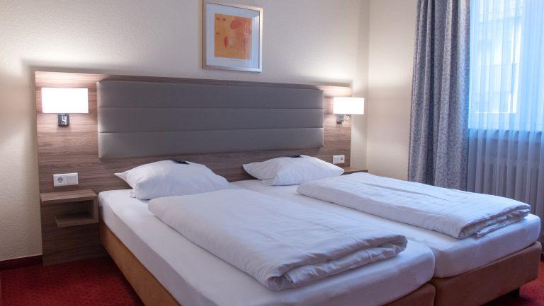 Doppelzimmer-Doppelbett-1