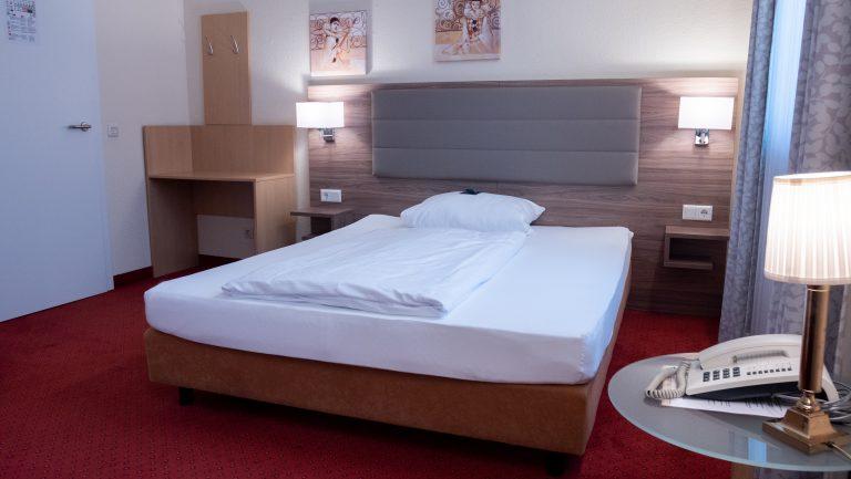 Darstellung-Bett-Einzelzimmer-5