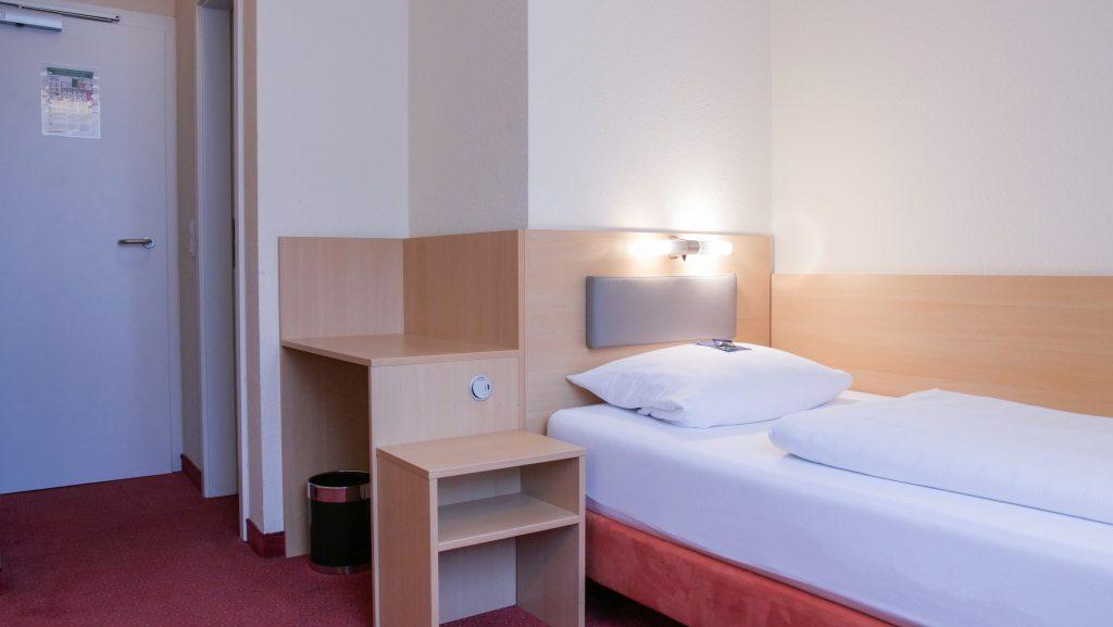 Darstellung-Bett-Einzelzimmer-2